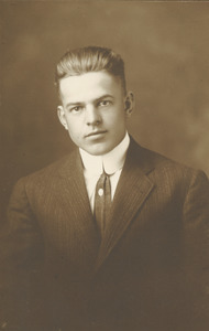 Class of 1910 unidentified man