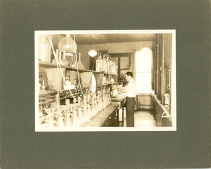 West Experiment Station Room 12 (laboratory), Massachusetts Agricultural College