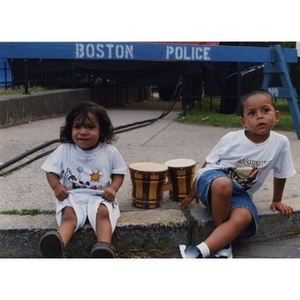 Two very young bongo drum players at Festival Betances.