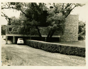 Enclosed Walkway connecting to Woods Hall (c. 1946)