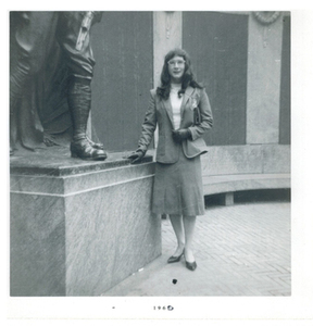 Alison Laing With Statue