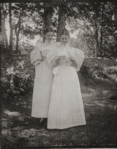 Agnes (right) and Ellie Cope