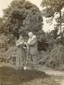 Laurence L Doggett and wife, Olive, planting a banyan tree in Hawaii