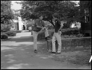 Photographs of students returning to campus, 1973 September 9