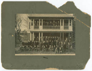 Class of 1901 in front of Gladden Boathouse