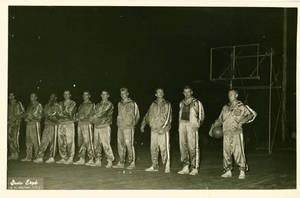 Team photo of the New York Celtics during the Harlem Globetrotters 1952 World Tour