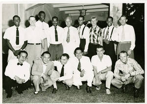 Group photo of the Harlem Globetrotters and the New York Celtics during the 1952 World Tour