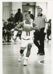 Earl Elliotte passing the ball, ca. 1991