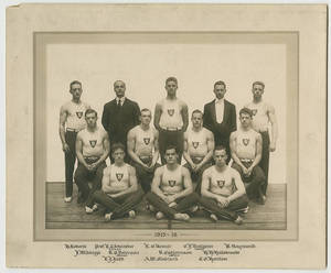 1915-1916 men's gymnastics group portrait