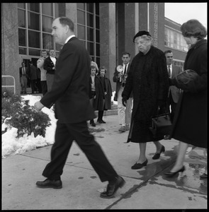 Eleanor Roosevelt (center) in front of the Student Union building with John Gillespie (left) and Gail Osbaldeston (right), during Roosevelt's Distinguished Visitors Program appearance