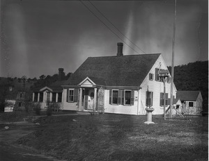 Cape Cod-style house of Horace Snow