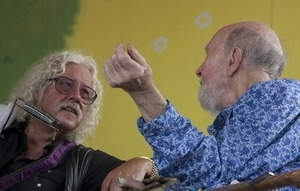 Arlo Guthrie and Pete Seeger talking at the Clearwater Festival