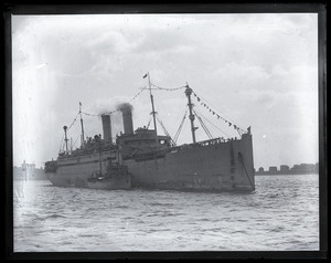 Woodrow Wilson's return from the Paris Peace Conference: S.S. George Washington arriving in Boston