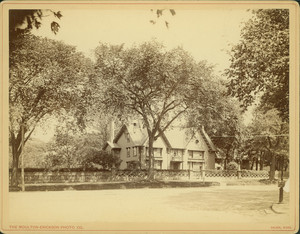 Exterior view of Pickering House, Broad Street, Salem, Mass., undated