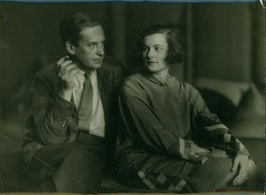 Three-quarter double portrait of Walter and Ise Gropius, seated, location unknown, 1929