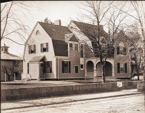 Exterior view of the Woodward Emory House, Cambridge, Mass., 1919