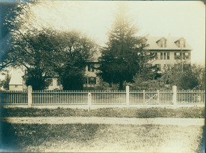 Exterior view of the Harien-Andrews-Loring-Haskell House, Shrewsbury, Mass., undated