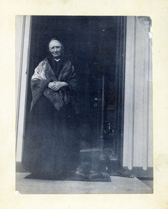 Full-length portrait of Jane Stuart, standing, facing front, location unknown