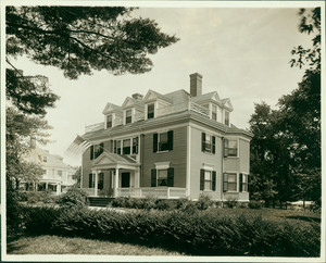 Exterior view of the Hubbard-Emory House, Cambridge, Mass., undated