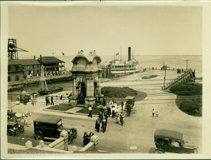 Steamer arriving at Plymouth, Mass., undated
