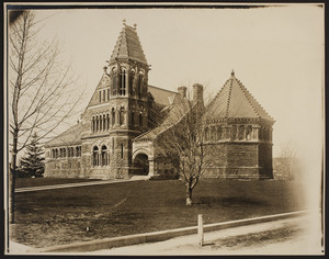 Exterior view of the Winn Memorial Library, Woburn, Mass., undated