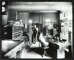 Old Union railroad station ticket office, Worcester, Mass., undated