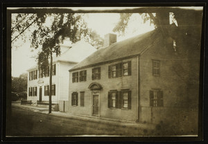 Exterior view of the Gibbets House, Portsmouth, N.H., 1914