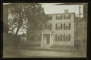 Exterior view of an unidentified mansion, Portsmouth N.H., 1914