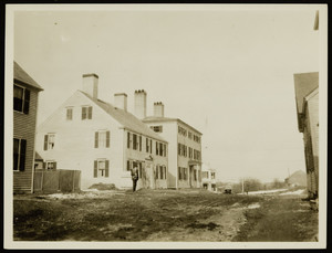 Old house in Portsmouth, N.H., not far from the Jackson House, April 1923