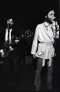 Beach Boys at Boston College: Carl Wilson (l) with Mike Love