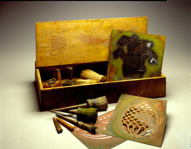 Painter's work box and stencils