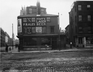 West side of Commercial St. near corner of Hanover St., Boston, Mass., Dec. 7, 1900.