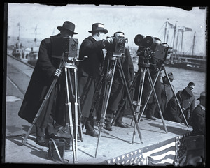 Woodrow Wilson's return from the Paris Peace Conference: motion picture cameramen awaiting arrival of the President