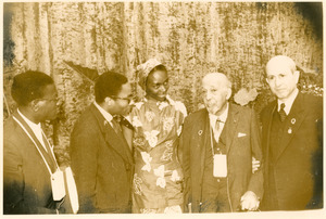 Abdul Hafeez Abou, unidentified delegate, Efua Theodora Sutherland, W. E. B. Du Bois, and another unidentified delegate at the Afro-Asian Writers Conference, Tashkent
