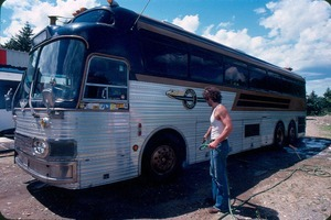 Rocket's Silver Train bus with Justin Jaquay