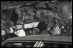 Crowd greeting the Iran hostages at Highland Falls, N.Y., with sign reading 'Welcome home Bert Moore, Mount Vernon'