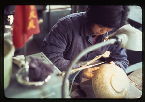 Carving a jade bowl (jade from Hunan Province)