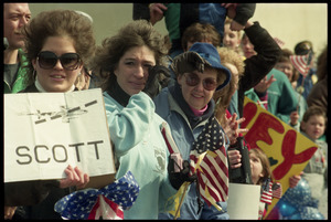 Crowd greeting the USS Roberts returning from Persian Gulf War duty