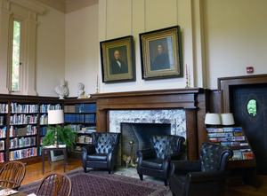 Field Memorial Library: sitting room and fireplace