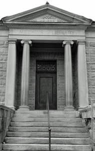Meekins Public Library: close-up of front entrance