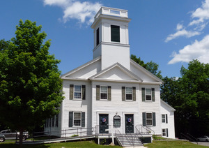Chesterfield First Congregational Church: exterior view from the front
