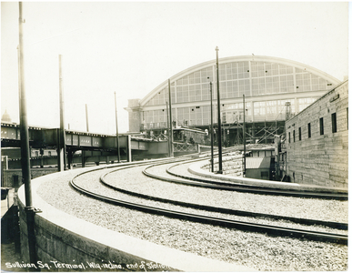 Sullivan Square Terminal, westerly incline, end of station