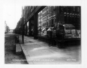 Sidewalk Kneeland St., south side, corner Washington St., Boston, Mass., October 1904
