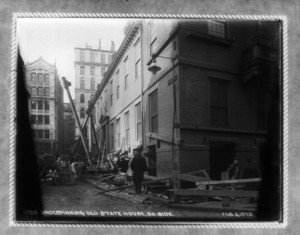 Underpinning Old State House south side, Boston, Mass., February 3, 1903