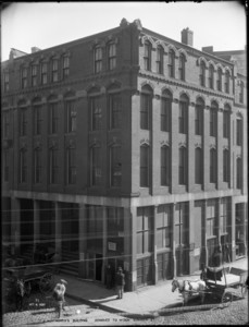 A. Wentworth Building removed to widen Summer Street, 170 Summer Street, corner of Federal and Purchase Streets, Boston, Mass.