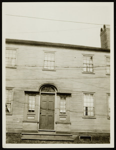 Exterior view of old house near the Jackson House, Portsmouth, New Hampshire, April 1923