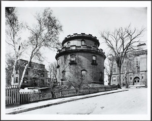 Exterior view of Enoch Robinson's Round House, Spring Hill, Somerville, Mass., undated