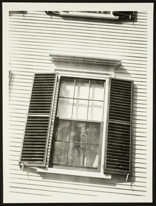 Exterior view of the Dr. May House, Middle Street, Portsmouth, New Hampshire, September 28, 1924