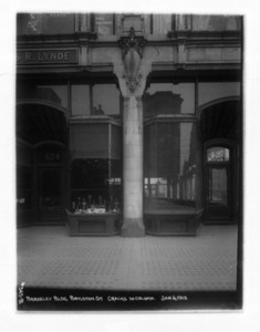 Berkeley Building, Boylston Street, cracks in column, Boston, Mass., January 6, 1913