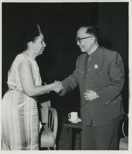Shirley Graham Du Bois and Guo Moruo shaking hands